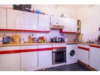 LIVE IN TRENDY CENTRAL EAST, 5 min Liverpool Street ** ALL BILLS INCLUDED /// ZONE 1/2 😘😘 WOW