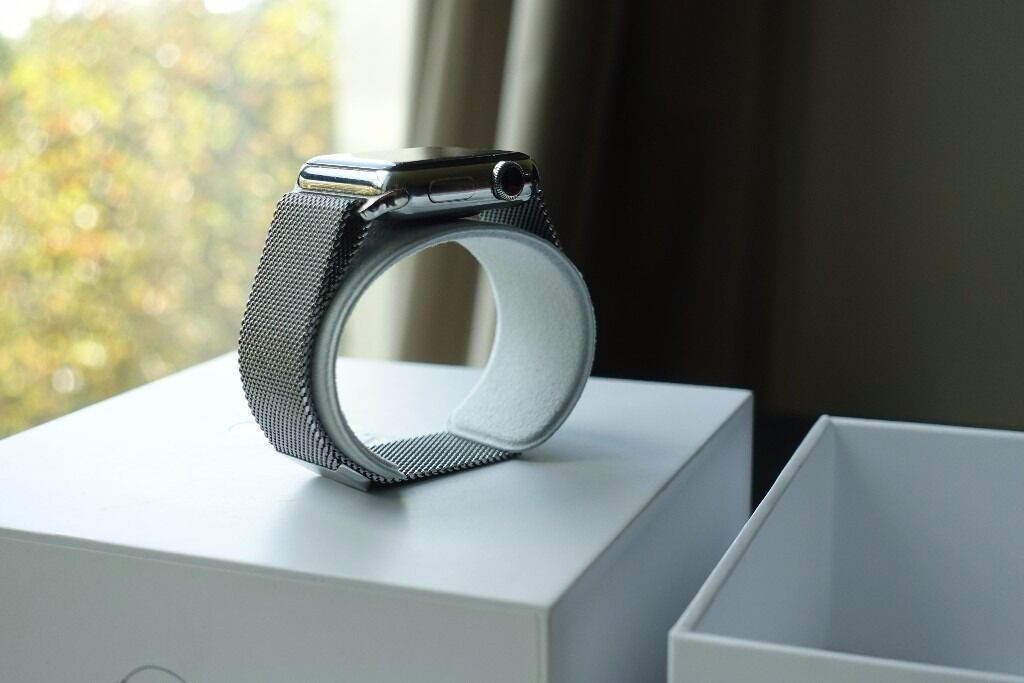 Apple Watch 38mm MIlanesein LondonGumtree - Apple watch 38mm and official Apple Milanese Loop Boxed Great watch in fully working condition with box. It is in great condition putting into account it has been owned for over 6 months. The face is in near perfect condition due to its Sapphire...