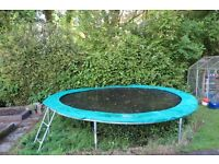 Jumpking Airborne 14 foot trampoline, in good condition. (no net with this trampoline)