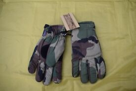 New - Woodland Camo Thinsulate Padded Gloves