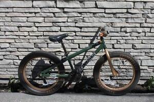 Bicyclette pour garcons - Instant Comptant -