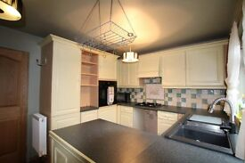 AMAZING 3 BEDROOM HOUSE WITH GARDEN IN RAINHAM RM13. CLOSE TO STATION