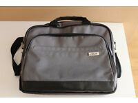 Asus genuine laptop bag for 15.6'' laptop.