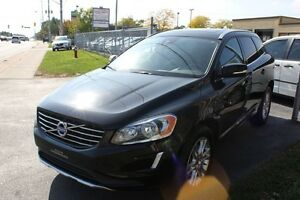 2014 Volvo XC60 3.2 AWD Panorama Roof Accident Free