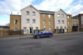 2 Bed 2 Bath Penthouse apartment with roof terrace and parking