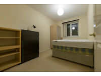 Good size bedroom available in shared apartment in Cardiff Bay