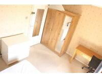 Double Room to let in Wimbledon (SW19), all bills included