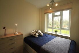 AMAIZING DOUBLE ROOM TO RENT IN KILBURN NEXT TO THE TUBE STATION GREAT LOCATION TO LIVE. 4T