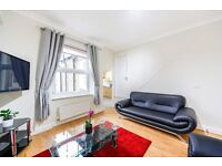 STUNNING TWO BEDROOM FLAT IN EARLS COURT !!! CALL NOW FOR VIEWING !!
