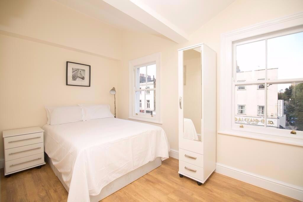 **Great value serviced studio in Camden Town with all bills, maid service, wifi included! Book now!