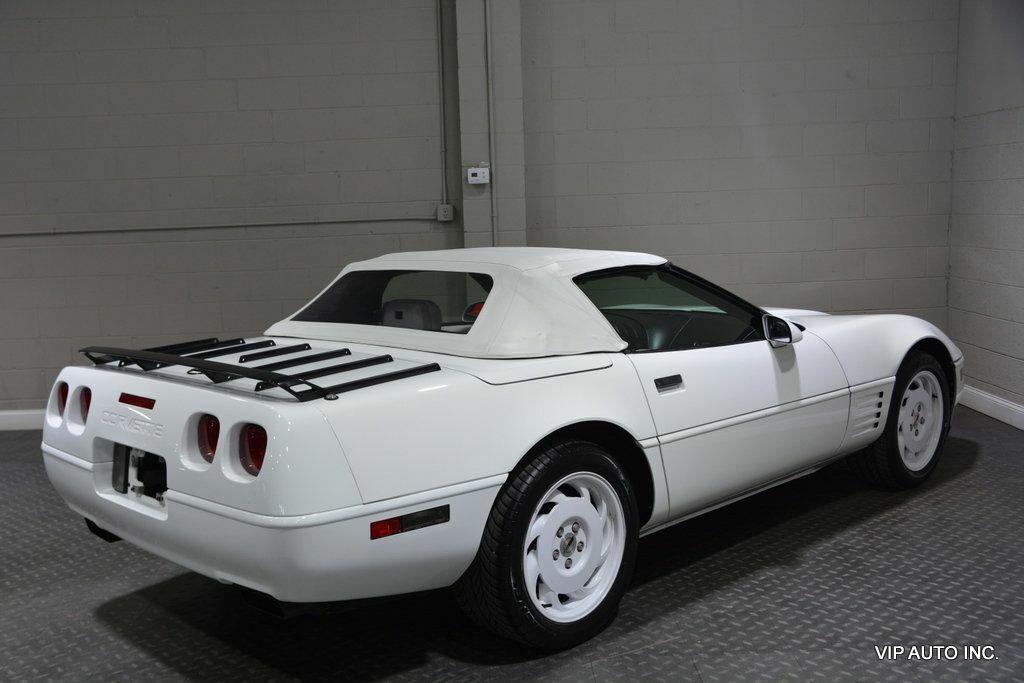 1993 White Chevrolet Corvette Convertible    C4 Corvette Photo 6