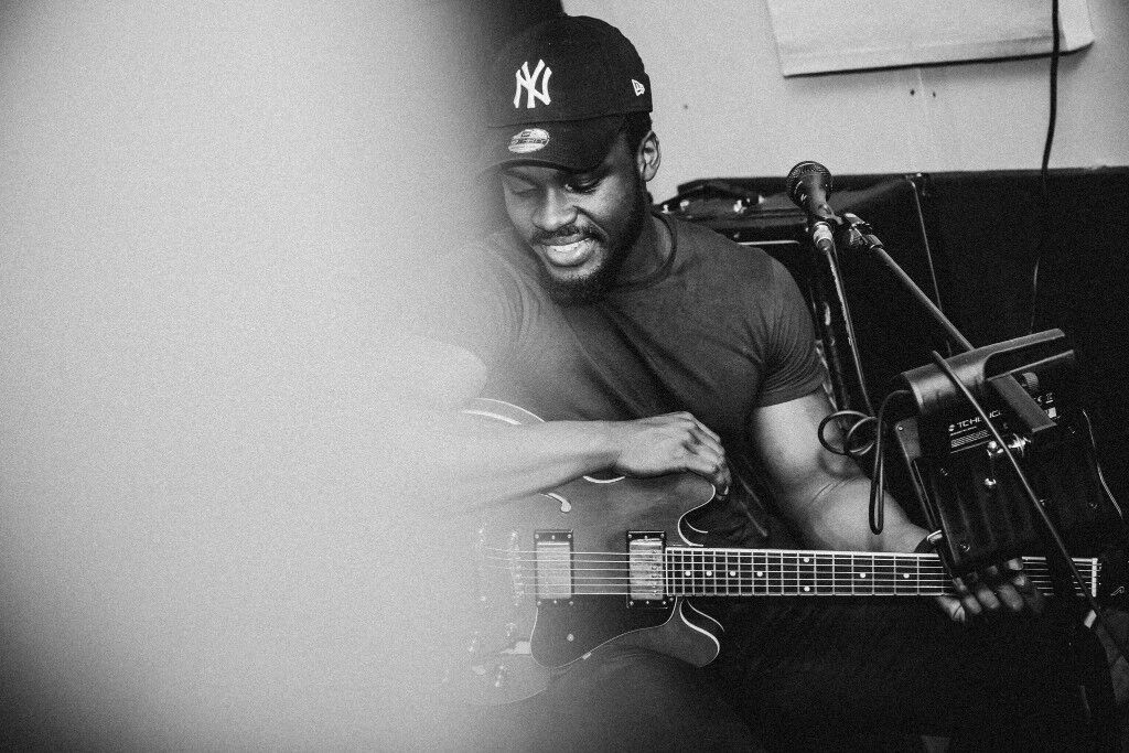 R&B / Neo-Soul Guitarist Available