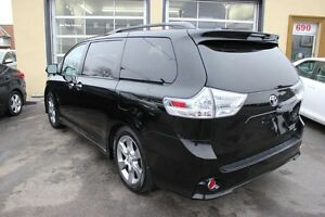 2013 Toyota Sienna SE LEATHER SUNROOF 8 PASSENGER
