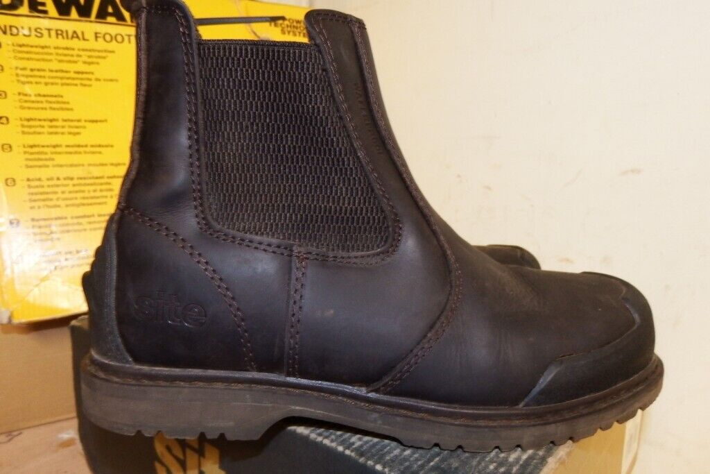 acede499a6d WORKWEAR CLEARANCE-LOW PRICES ON SAFETY  BOOTS/TRAINERS-PPE-CLOTHING-DEWALT-SITE-PORTWEST-SNICKERS | in Sandwell,  West Midlands | Gumtree