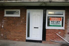 Recently Refurbished 1 bedroom flat AVAILABLE NOW in Kearsley Close **DSS ACCEPTED**