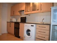 Large 2 bedroom maisonette in Colindale with parking and balcony.