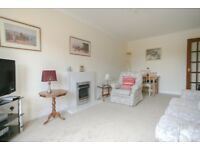 SHORT TERM LET: (Ref: 432) West Powburn. Bright & Spacious 2 bed