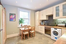 Stunning, bright and well-presented two double bedroom Victorian conversion on Lawrie Park Road