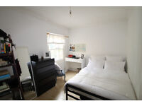 Bright & Cosy 2 bed Apartment with Large Windows Allowing Plenty of Light and a Private Terrace