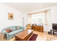 1 BED GROUND FLOOR FLAT WITH LARGE GARDEN NEXT TO QUEENS PARK STATION