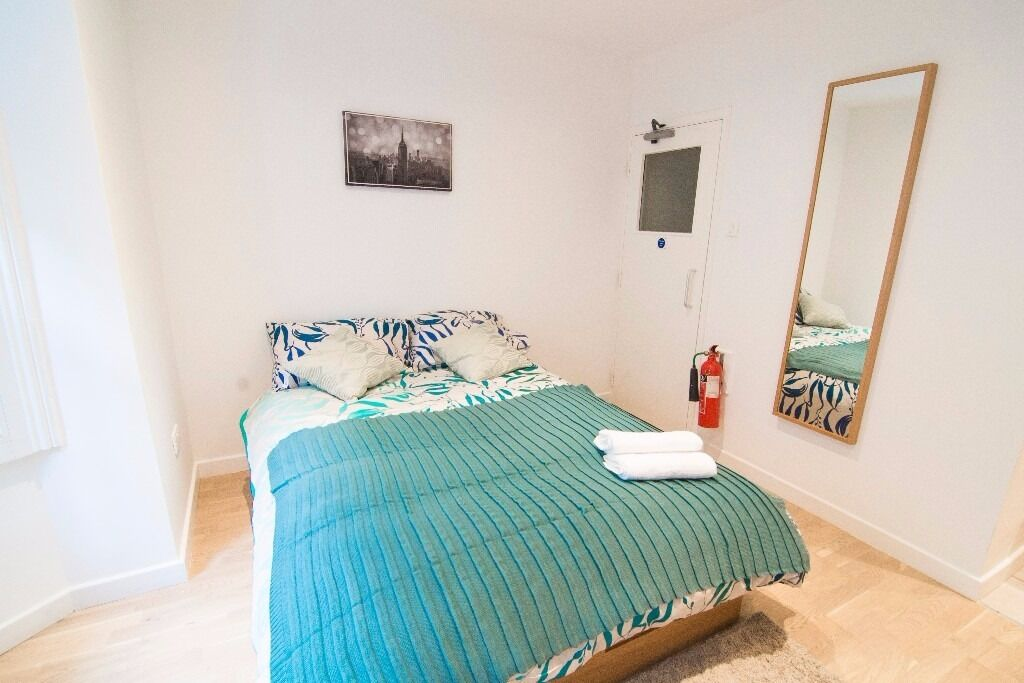 Spacious self-contained studio in West Kensington Bills Included