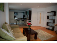 A STUNNING THIRD FLOOR ONE BEDROOM FURNISHED FLAT