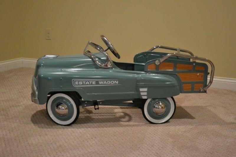 American Retro Metal Pedal Car Vintage Estate Wagon Classic Perfect Condition