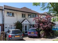 Redecorated 4/5 bedroom house close to Whitton and Hounslow
