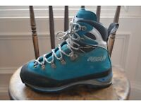 Women's Asolo mountaineering boots, size 5, blue.