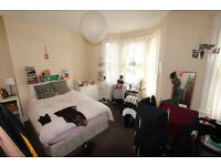 **2 Bedroom Flat Located Near Stoke Newington Station**