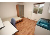 A smart studio flat with easy access to White City/Westfield