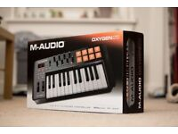 Brand NEW M-Audio Oxygen 25 MIDI keyboard and pad controller with Ableton