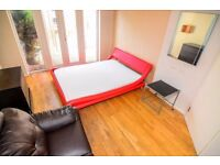 HUGE DOUBLE ROOM IN A MASSIVE HOUSE ALL BILLS INCLUDED!