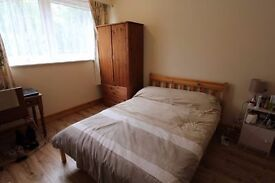 Lovely Flatmates and Nice Atmosphere ** Central Location ** Elegant Double, 1 STOP from KINGS CROSS