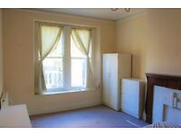 Bright furnished double bedroom room available in attractive 1st floor Victorian flat. £350/month.