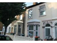 ***STUNNING 3 BEDROOM HOUSE WITH GARDEN AVAILABLE IN NEWHAM***