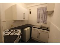 1 bedroom flat in Westbury Court, Nightingale Lane, Clapham South, SW4