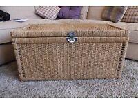Storage chest / blanket box / ottoman
