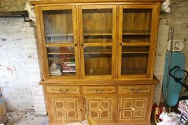 Display cabinet unit, Shelving unit, living room furniture, oak, malabar wood.