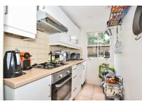 ***STUNNING VICTORIAN APARTMENT WITH TWO GOODSIZE BEDROOMS LOCATED IN STOCKWELL.WingfeildHouseSW8***