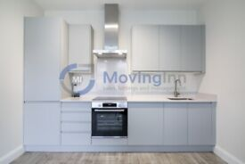 Cosy 3 Bed Apartment in Streatham. Furnished or Part-Furnished. Opposite Streatham BR Station.