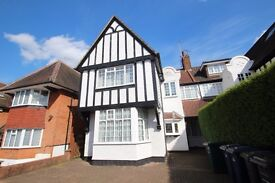 Includes Water Rates - A Studio Apartment Within Close Walking Distance To Golders Green Road Tube