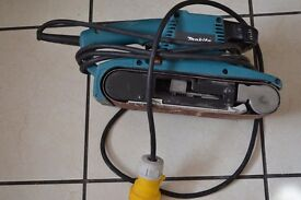 MAKITA BELT SANDER. MODEL 9404.