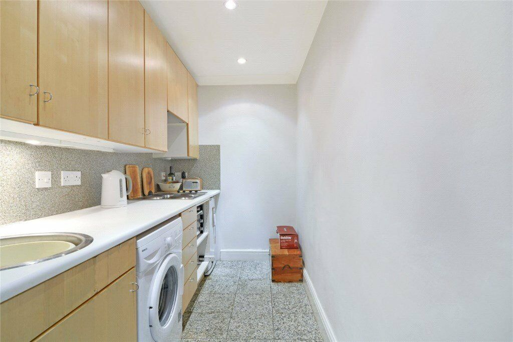 NEWLY REFURBISHED VERY BRIGHT ONE BED APARTMENT - PORTBOBELLO MARKET NOTTING HILL - £370PW AVAILABLE