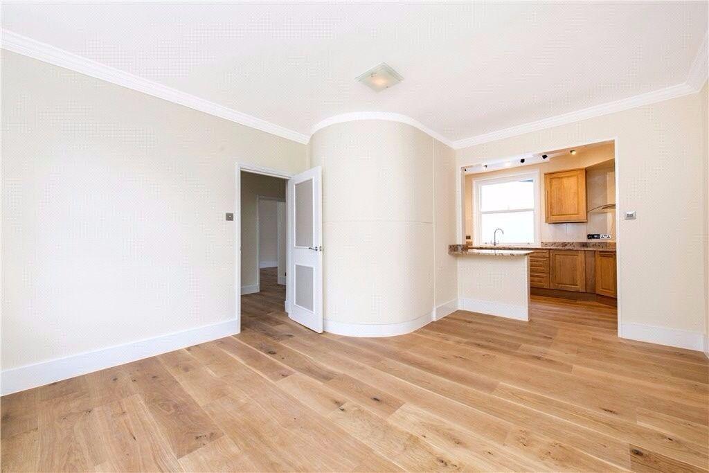 Stunning 3 bedroom flat.. A definite must see!