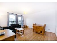 SW12 8SX -ST JAMES DRIVE - A STUNNING 2 DOUBLE BED FLAT WITHIN WALKING DISTANCE TO WANDSWORTH COMMON