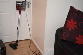 BELDRAY VACUUM CLEANER CAN BE SEEN WORKING