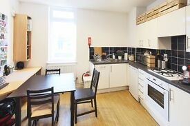 Private Studio Flat available for students! Only 5 minute walk to Edinburgh University!!