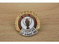 MANCHESTER UNITED FOOTBALL CLUB 1986 WINNERS EUROPEAN CUP ENAMEL BADGE