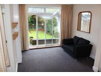 DR1 - Spacious, Bright, Furnished ONE BED GARDEN FLAT & Private Entrance in Willesden Green, NW2